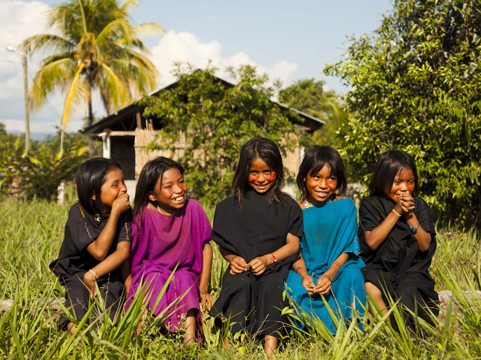 Cutivireni Village Happy Girls Sited Rainforest
